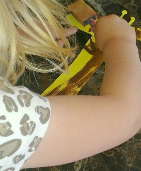 Bubble Wrap Activites for Kids Giraffe Paintings