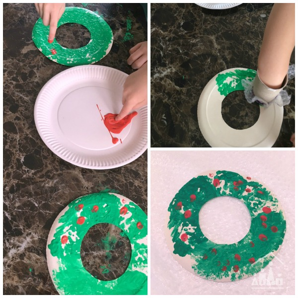 bubble wrap holly wreaths making