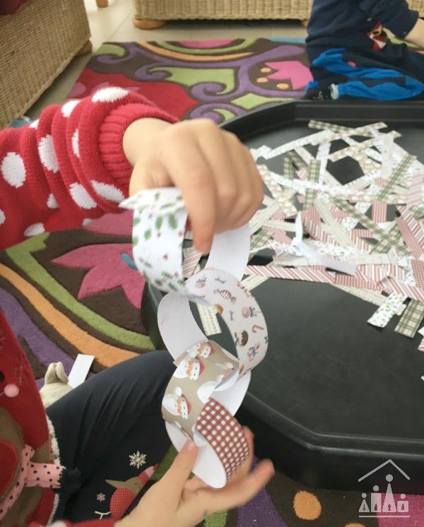 fine motor skills paper chains