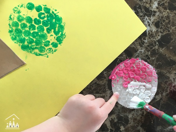 Making a Bubble Wrap Ice Cream Craft