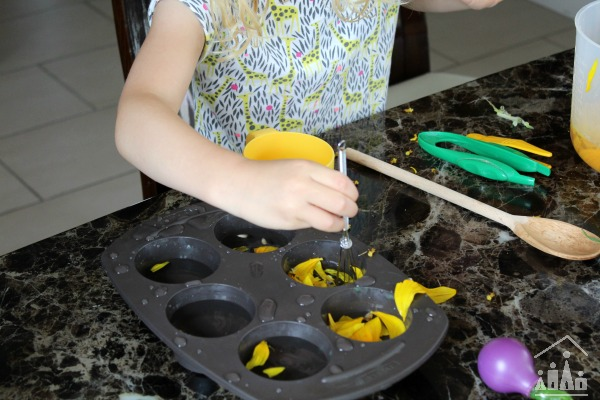 Sunflower Fine Motor Water Play Activity