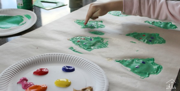 Painting Christmas Tree Card with a Sponge