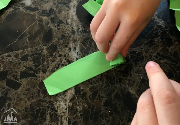 Folding zig zag legs for a Shamrock Craft