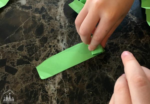 Folding zig zag legs for a Shamrock Craft