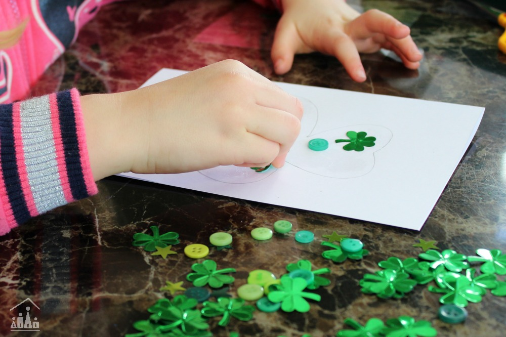 Quick and Easy Kids DIY Card for St Patrick's Day